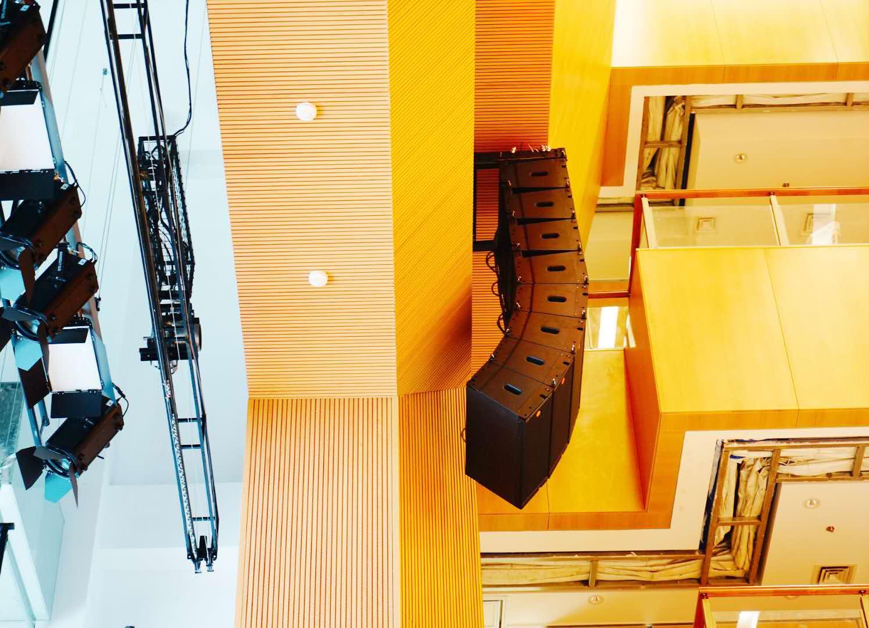 校园多功能厅音响设备的安装调试与维护管理