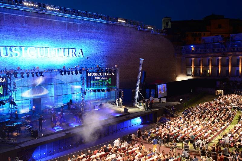 灯光、音响对增加舞台艺术表现力的作用