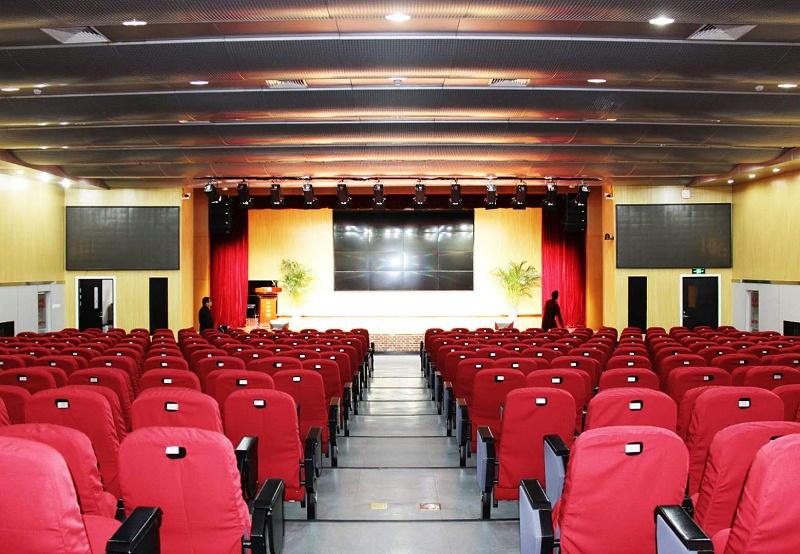 音响设备在舞台上的艺术表现