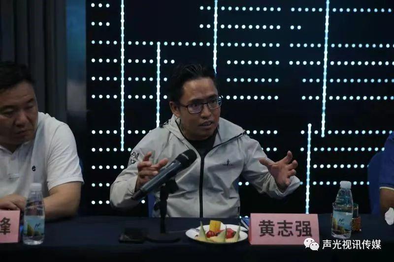 ZOBO董事长张新峰作为声光视讯行业联盟代表赴豫芒温暖灾区,传递爱心