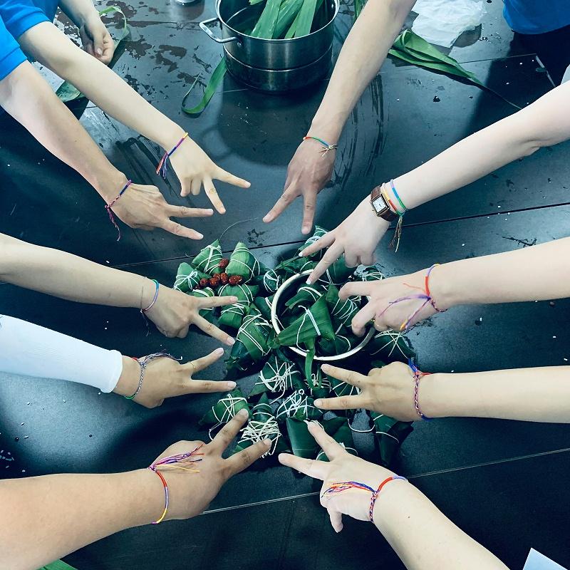 """端午安康丨每逢端午""""粽""""有情,我们一起边学传统边包粽子!"""