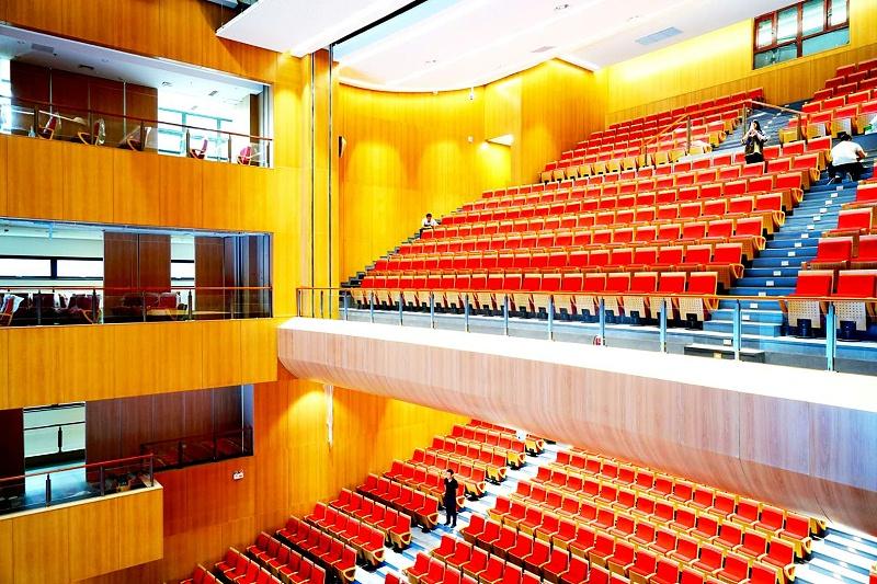 舞台演出音响设备调试与音箱布置的研究