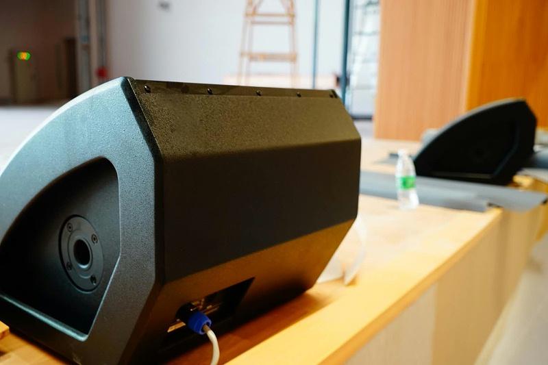 音响设备在演出现场中的效果