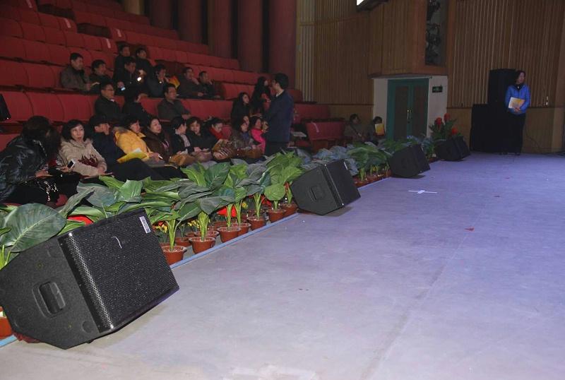 音响设备与舞台灯光的配合应用探究